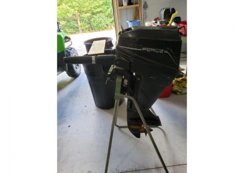 9.9 Force Outboard Motor