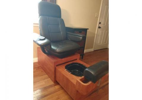 Pedicure chair and table