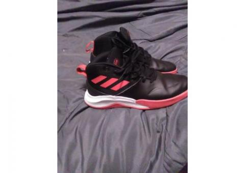 Men's Adidas size 8 shoes
